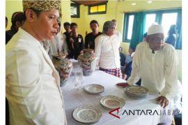 Keraton Kasepuhan gelar prosesi cuci piring Wali Songo