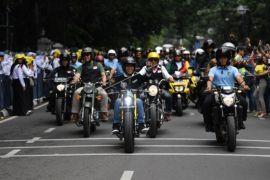 Jokowi kendarai sepeda motor hadiri Deklarasi Jabar Kondusif