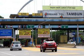 Kebijakan ganjil-genap kendaraan di gerbang tol Tambun diberlakukan