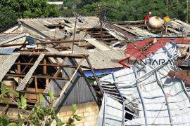 Dampak angin puting beliung di Bogor