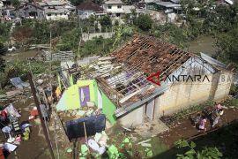 Bantuan perbaikan rumah terdampak puting beliung Kota Bogor didistribusikan