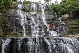 Wisata alam curug luhur Cigangsa