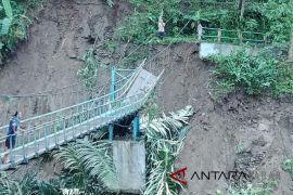 DPRD Cianjur dorong OPD programkan perbaikan jembatan putus