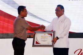 Polres Cirebon terima penghargaan pelayanan sangat baik