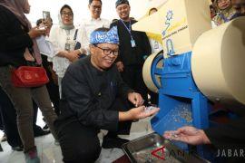 Dukung 'Kangpisman', Pindad bantu 2 mesin pencacah sampah plastik