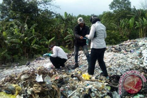 KLHK Segel Limbah Medis di Cirebon