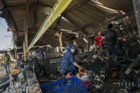 Pemkot Bandung beri pendampingan korban kebakaran Pasar Gedebage.
