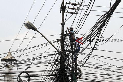 Instalasi kabel tumpang tindih