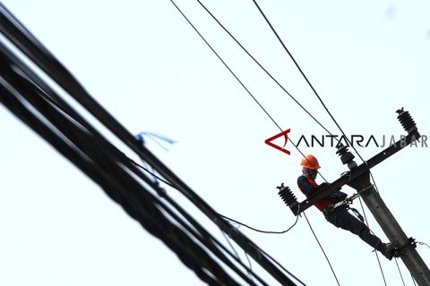 Konsumsi listrik PLN naik