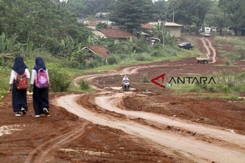 Pembangunan jalan di Bogor mangkrak