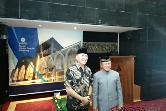 Iriawan bersilaturahim ke Ponpes Daarut Tauhid Bandung