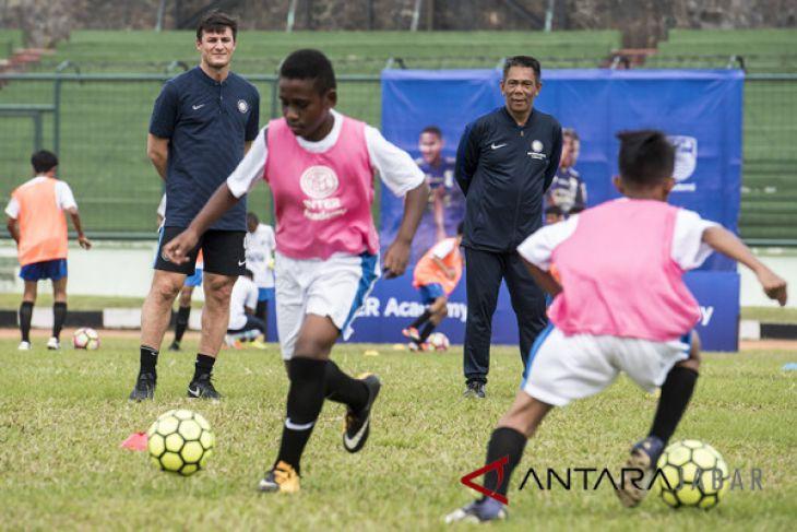 Peluncuran Akademi Persib