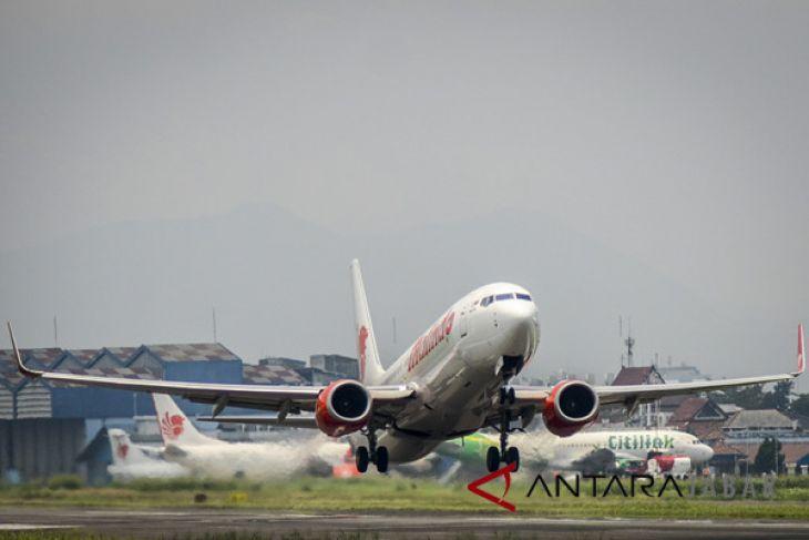 Rencana Pemindahan Penerbangan Komersil