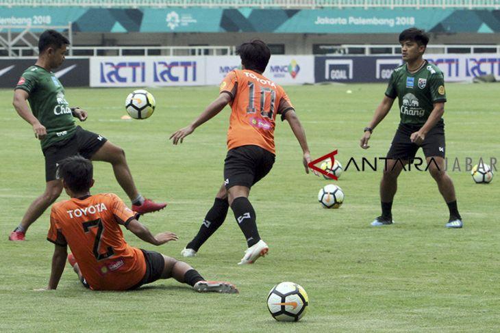 Latihan Timnas Thailand U-19