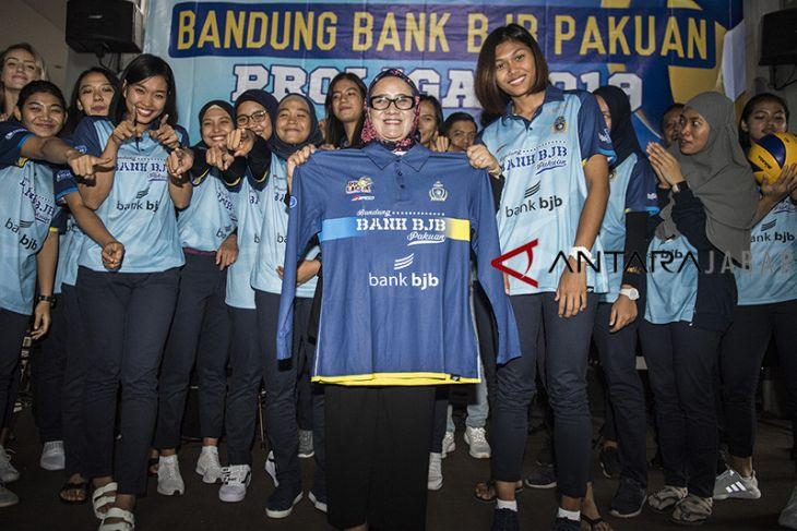 Peluncuran tim voli putri Bandung bank bjb Pakuan
