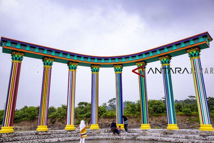 Tempat Wisata Purwakarta Cikao Park