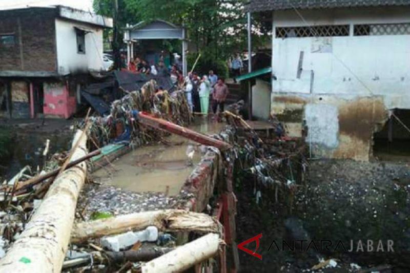Warga berharap penertiban bangunan liar sempadan sungai