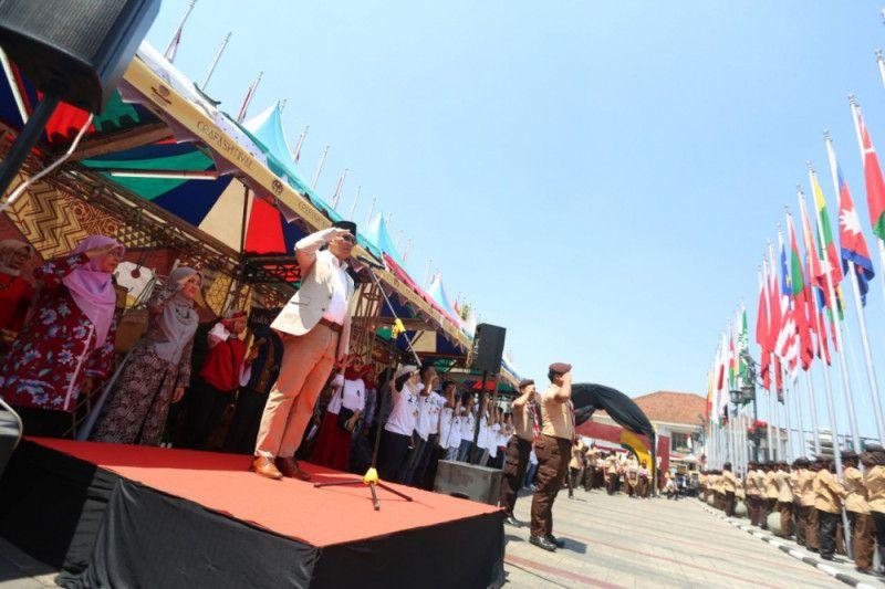 Ridwan Kamil pimpin upacara pengibaran bendera peserta AG