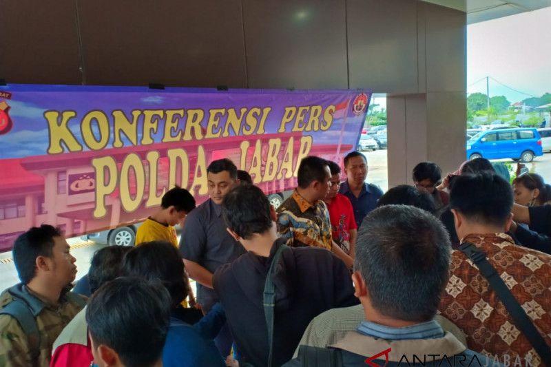 Polda Jabar bongkar grup facebook gay di Bandung