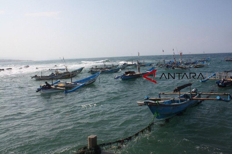 Hasil tangkapan ikan nelayan Cianjur belum capai 1.000 ton