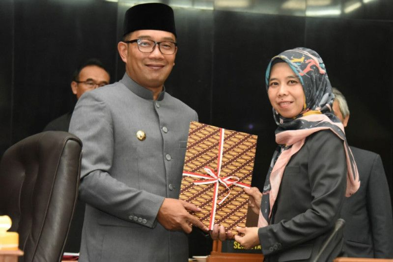 DPRD Jabar sahkan Raperda RAPBD tahun 2019