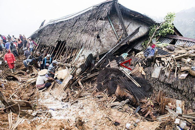 Longsor kampung adat Sukabumi