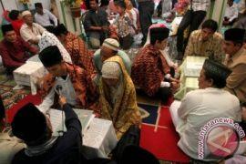 55 Pasangan peserta nikah massal