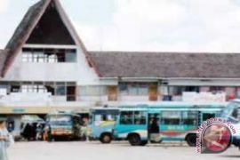 Supir Bis Keluhkan Calo Terminal Batu Layang