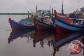 Ratusan Kapal Nelayan Tidak Melaut