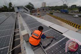 16 desa di Kalbar terima lampu tenaga surya hemat energi