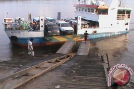 Polisi Perketat Pengamanan di Dermaga Teluk Batang