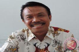 Dewan Sintang desak survei pemicu longsor Pantai Kapuas