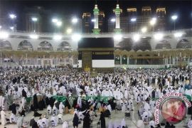 Jamaah haji Indonesia bergerak menuju Muzdalifah