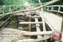 Rp79 M untuk jalan - jembatan di Kapuas Hulu