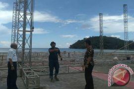 Bupati Kayong Utara Tinjau Lokasi acara pembukaan STQ