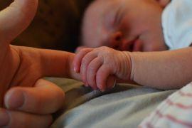 Bayi dikubur diduga hasil hubungan gelap
