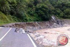 Erosi Sungai Aceh Selatan Semakin Parah
