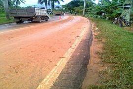 Warga Keluhkan Aktivitas Proyek Jalan Parit Banjar