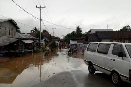 Camat : Warga Perbatasan Tak Mengungsi Karena Banjir