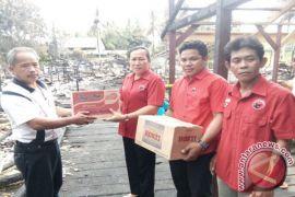 Baguna PDIP Salurkan Bantuan Korban Kebakaran Sayut
