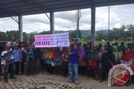 Warga Banyu Abang minta ganti rugi ribuan hektare lahan
