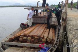 SPORC amankan empat KM bawa kayu ilegal