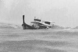 Kapal tenggelam hilangkan tujuh penumpang