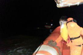 Empat nelayan berhasil dievakuasi di perairan Ketapang