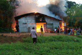 Polisi selidiki penyebab terbakarnya gudang kratom