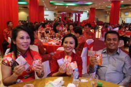 Tjhai Chui Mie ajak masyarakat menangkan Karolin-Gidot