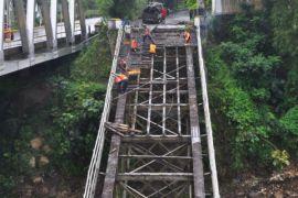 Jembatan bersejarah Progo dibongkar