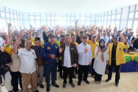 Masyarakat Simpuk apresiasi kedatangan Sutarmidji-Ria Norsan