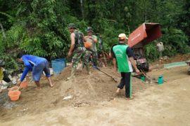 TNI - Perangkat Desa Sungai Dangin sukseskan TMMD