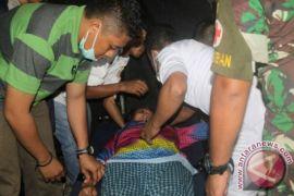 TNI AD evakuasi guru di Tembagapura